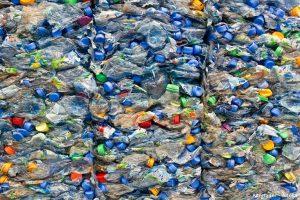 Trinkwasser Leitungswasser Plastikflaschen